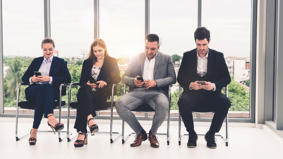 How to use mobile recruitment to attract candidates